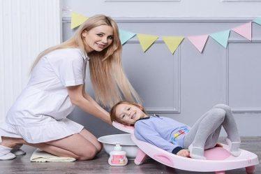 Có nên dùng ghế gội đầu trẻ em không?